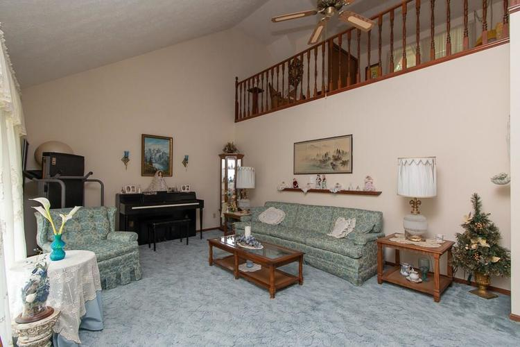 1236 OAKLAND Drive Anderson, IN 46012 | MLS 21662771 | photo 3