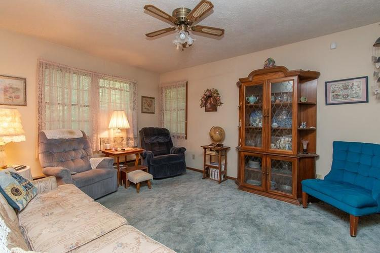 1236 OAKLAND Drive Anderson, IN 46012 | MLS 21662771 | photo 8