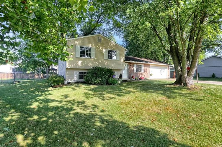 144 Plymouth Rock Court Greenwood, IN 46142   MLS 21662904   photo 1