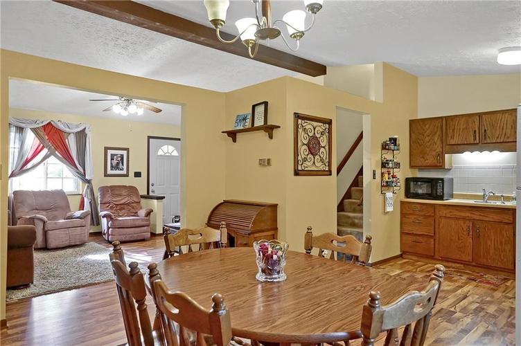 144 Plymouth Rock Court Greenwood, IN 46142   MLS 21662904   photo 4