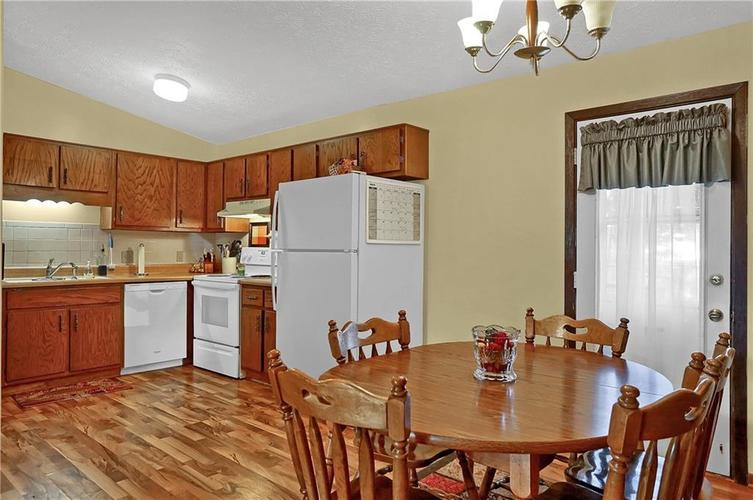 144 Plymouth Rock Court Greenwood, IN 46142   MLS 21662904   photo 6