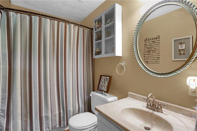 144 Plymouth Rock Court Greenwood, IN 46142   MLS 21662904   photo 9