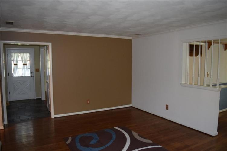 421 Ashford Court Indianapolis, IN 46214 | MLS 21662928 | photo 12