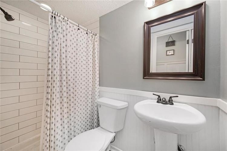 125 Governors Lane Zionsville, IN 46077 | MLS 21663008 | photo 26