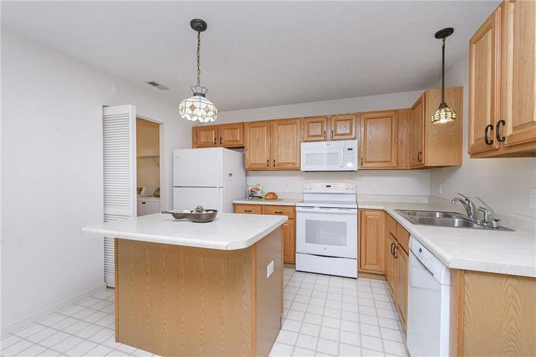 6552 CAHILL Place #D Indianapolis, IN 46214 | MLS 21663011 | photo 10