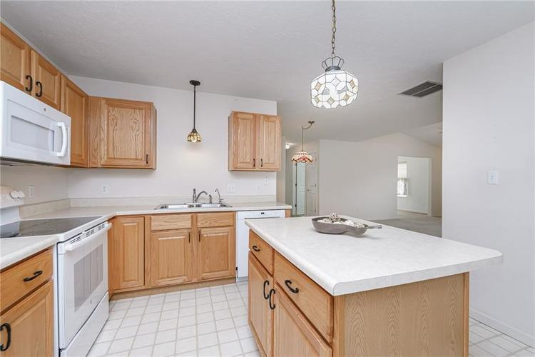 6552 CAHILL Place #D Indianapolis, IN 46214 | MLS 21663011 | photo 13