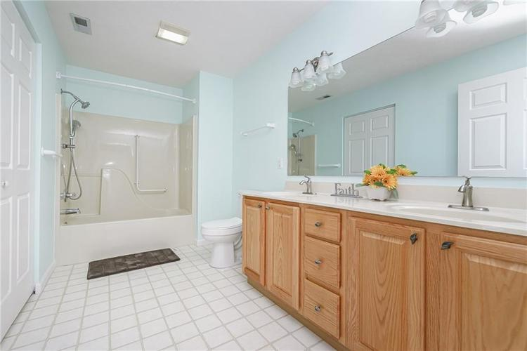 6552 CAHILL Place #D Indianapolis, IN 46214 | MLS 21663011 | photo 20