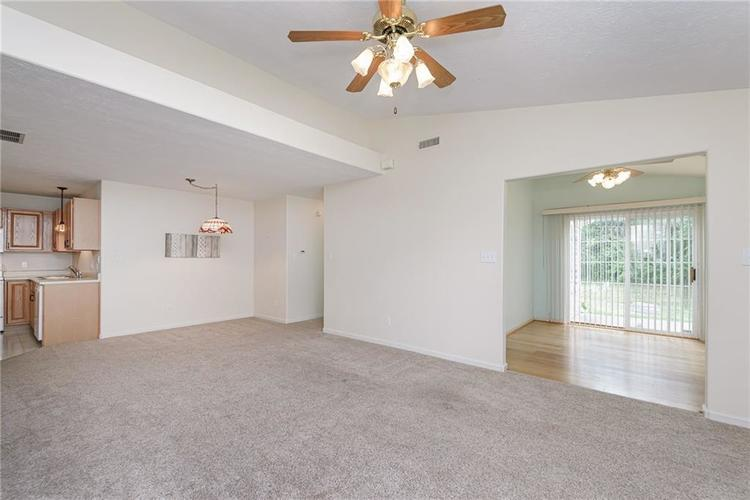 6552 CAHILL Place #D Indianapolis, IN 46214 | MLS 21663011 | photo 5