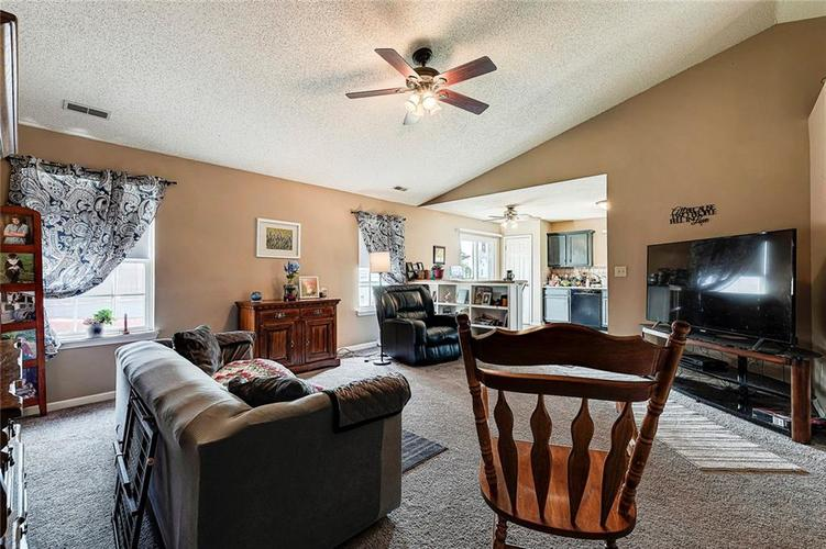 133 Brixton Woods West Drive Pittsboro, IN 46167   MLS 21663039   photo 11