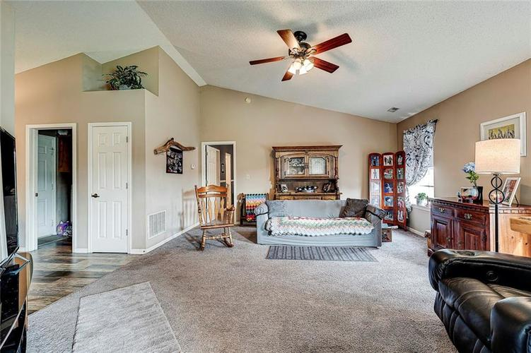 133 Brixton Woods West Drive Pittsboro, IN 46167   MLS 21663039   photo 12