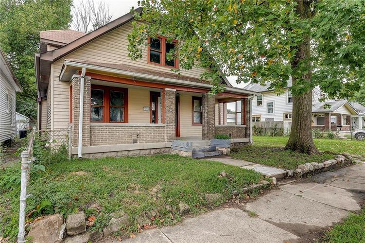 1034 S Pershing Avenue Indianapolis IN 46221   MLS 21663045   photo 1