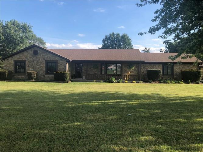 6405 W Mills Road Indianapolis, IN 46221 | MLS 21663281 | photo 1