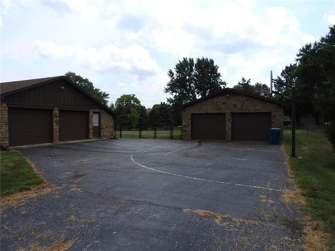 6405 W Mills Road Indianapolis, IN 46221 | MLS 21663281 | photo 29