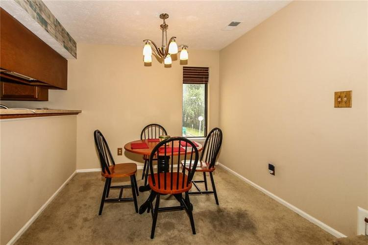 2999 EAGLES CREST Circle #2999-B Indianapolis, IN 46214 | MLS 21663283 | photo 4