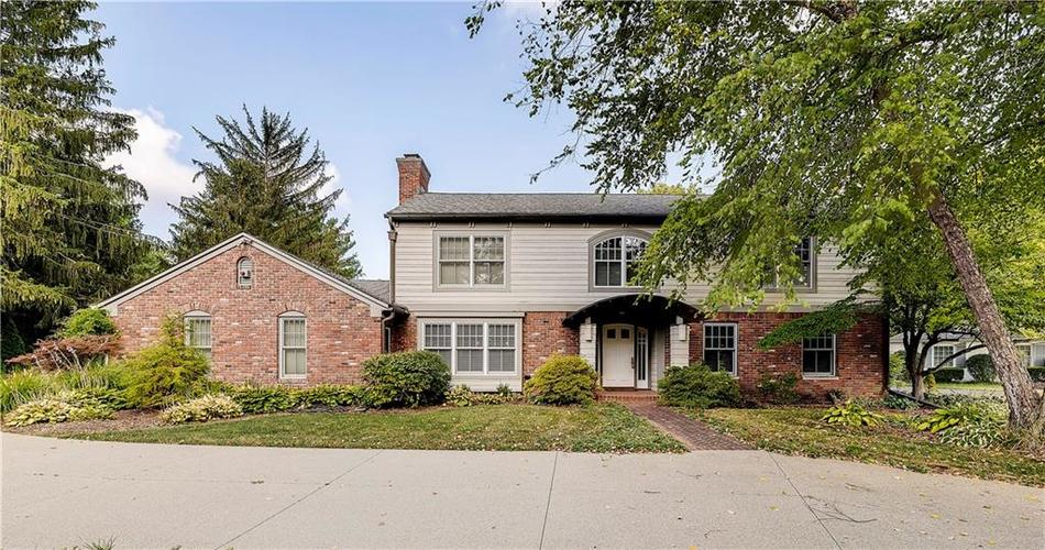 8162  Round Hill Court Indianapolis, IN 46260 | MLS 21663284