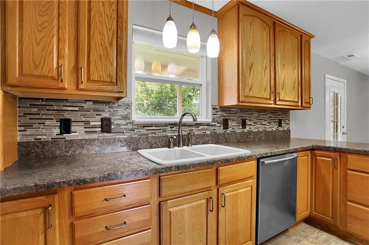 6003 Timberland Way Indianapolis, IN 46221   MLS 21663298   photo 13