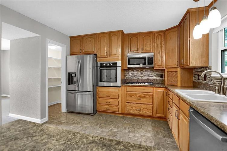 6003 Timberland Way Indianapolis, IN 46221   MLS 21663298   photo 15