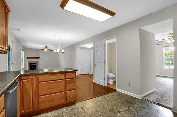 6003 Timberland Way Indianapolis, IN 46221   MLS 21663298   photo 17