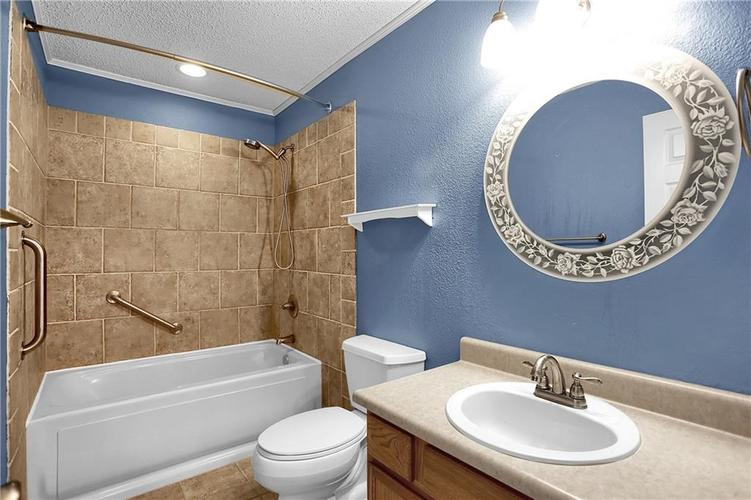 6003 Timberland Way Indianapolis, IN 46221   MLS 21663298   photo 37