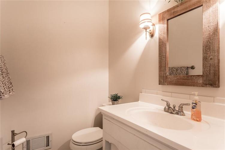 5015 E 72ND Place Indianapolis, IN 46250 | MLS 21663360 | photo 17