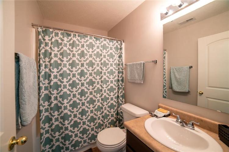 11076 COOL WINDS WAY Fishers, IN 46037   MLS 21663367   photo 17