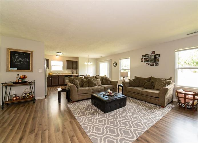 11076 COOL WINDS WAY Fishers, IN 46037   MLS 21663367   photo 6