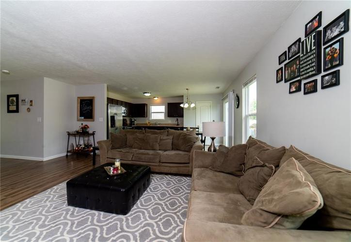 11076 COOL WINDS WAY Fishers, IN 46037   MLS 21663367   photo 8