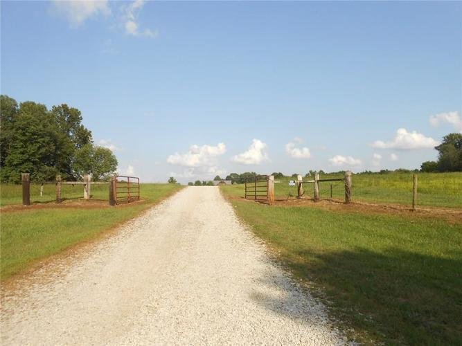 10371 S County Road 10 E Cloverdale, IN 46120   MLS 21663518   photo 12