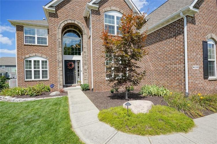 13890 Vincent Drive Fishers, IN 46055 | MLS 21663550 | photo 2