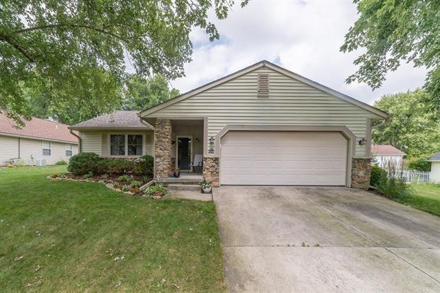 4004 W Robinwood Drive Muncie IN 47304 | MLS 21663551 | photo 1