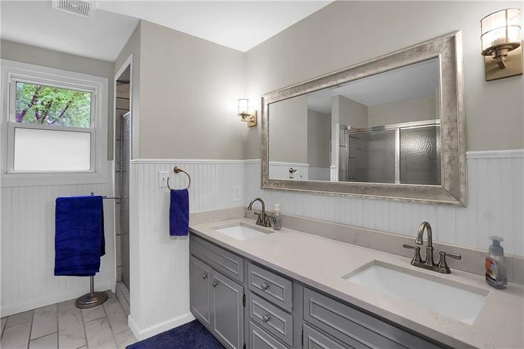 11304 W Lakeshore Drive Carmel, IN 46033 | MLS 21663568 | photo 27
