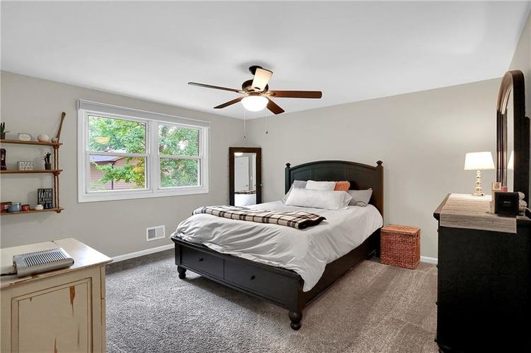 11304 W Lakeshore Drive Carmel, IN 46033 | MLS 21663568 | photo 28