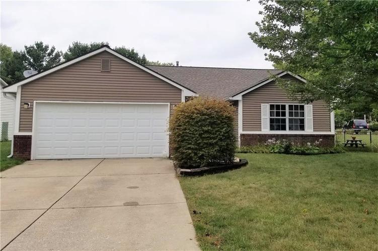 153 SOUTHWAY Drive Bargersville IN 46106 | MLS 21663591 | photo 1