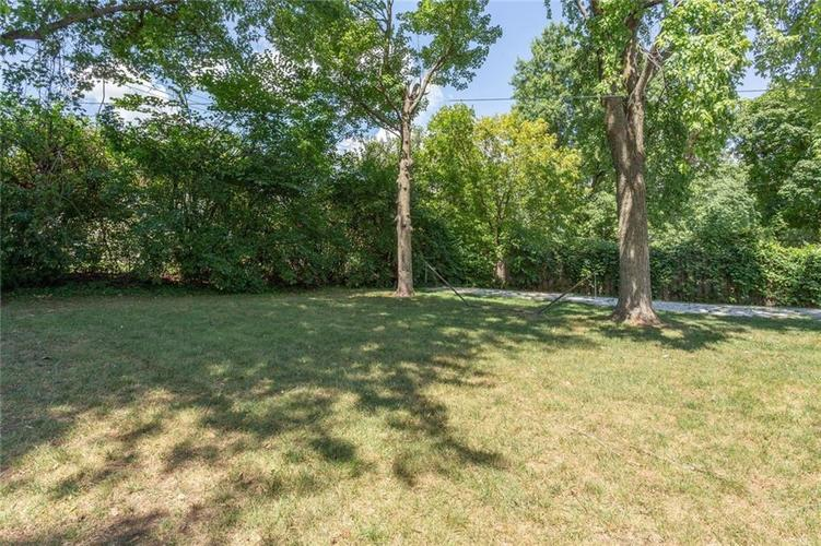 6264 N Central Avenue Indianapolis, IN 46220 | MLS 21663623 | photo 20