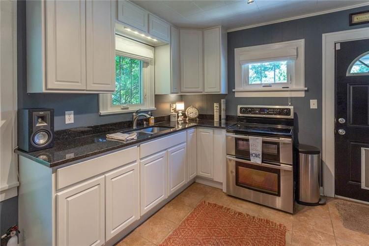 6264 N Central Avenue Indianapolis, IN 46220 | MLS 21663623 | photo 8