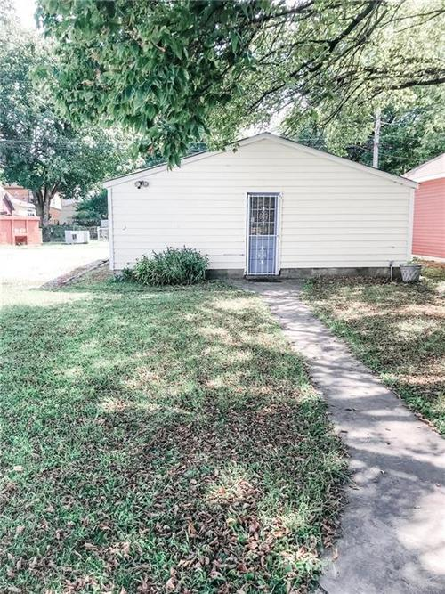 621 E Mccarty Street Indianapolis, IN 46203 | MLS 21663696 | photo 15