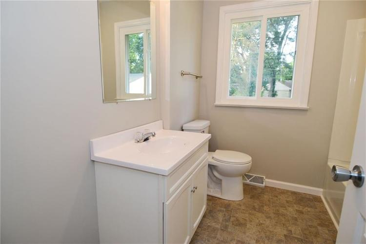 6820 W 11th Street Indianapolis, IN 46214 | MLS 21663706 | photo 11