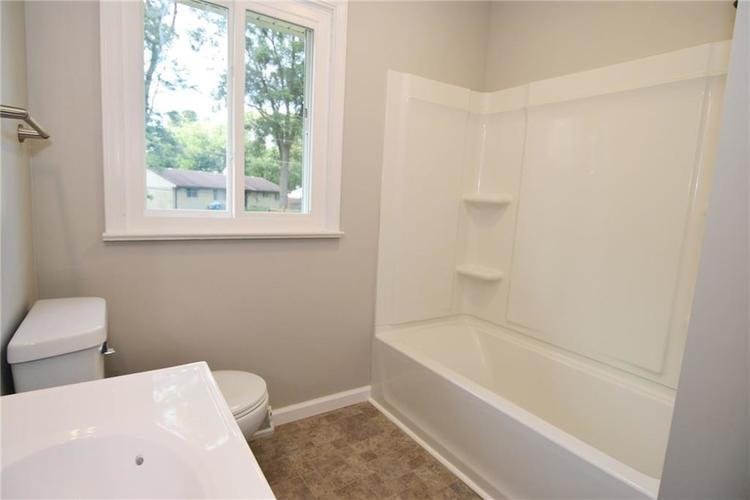 6820 W 11th Street Indianapolis, IN 46214 | MLS 21663706 | photo 12