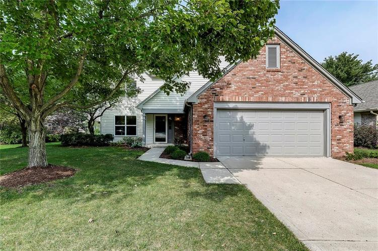 9938 N Estep Drive Indianapolis, IN 46280 | MLS 21663715 | photo 1