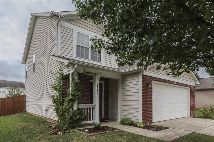 5640 Sweet River Drive Indianapolis, IN 46221 | MLS 21663757 | photo 2