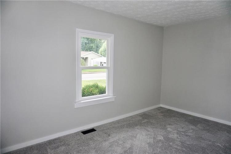 230 Duo Drive Martinsville, IN 46151 | MLS 21663760 | photo 24