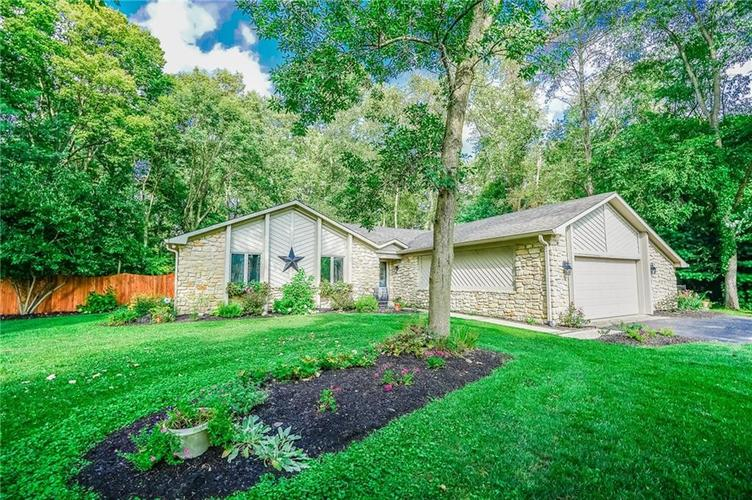 6901 Bloomfield Drive E Indianapolis, IN 46259 | MLS 21663783 | photo 1