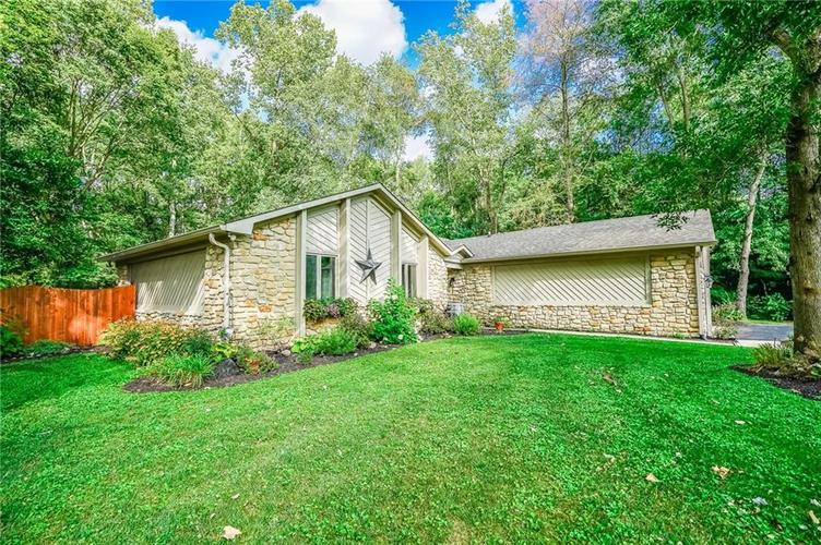 6901 Bloomfield Drive E Indianapolis, IN 46259 | MLS 21663783 | photo 5