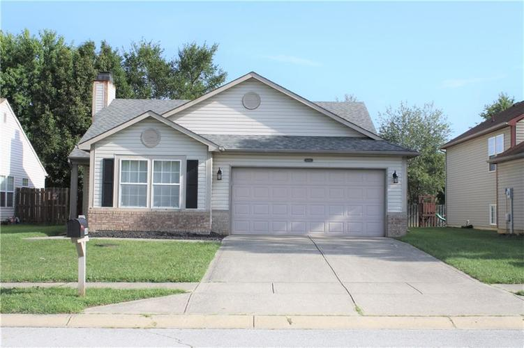 8446 Country Meadows Drive Indianapolis, IN 46234 | MLS 21663834 | photo 2
