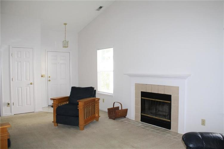 8446 Country Meadows Drive Indianapolis, IN 46234 | MLS 21663834 | photo 6