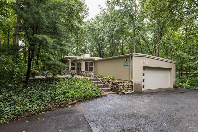 2011 Timber Hill Trail Indianapolis, IN 46217 | MLS 21663882 | photo 1