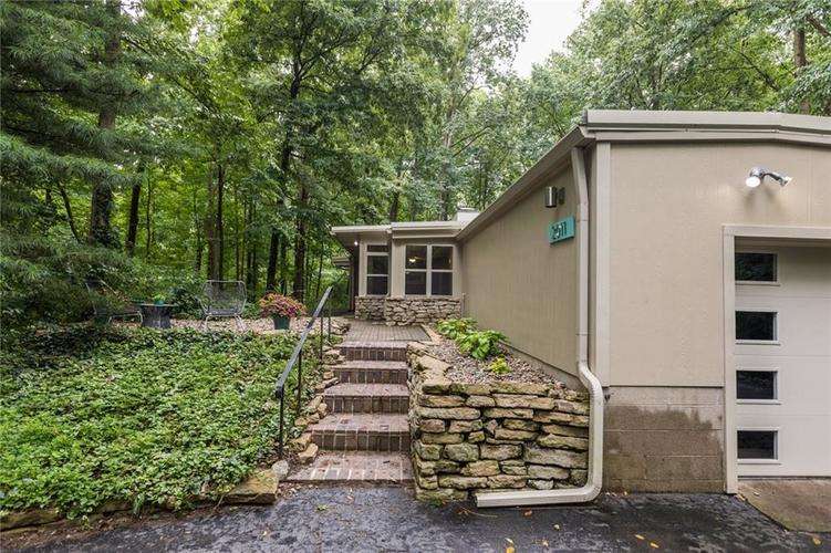 2011 Timber Hill Trail Indianapolis, IN 46217 | MLS 21663882 | photo 29