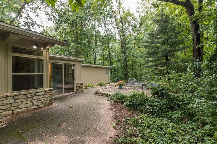2011 Timber Hill Trail Indianapolis, IN 46217 | MLS 21663882 | photo 31