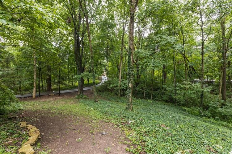 2011 Timber Hill Trail Indianapolis, IN 46217 | MLS 21663882 | photo 37
