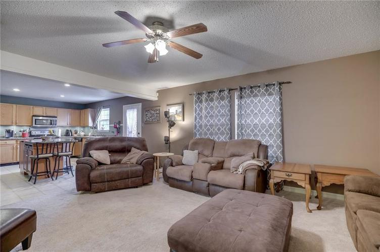 6644 Olive Branch Court Indianapolis, IN 46237 | MLS 21663932 | photo 11